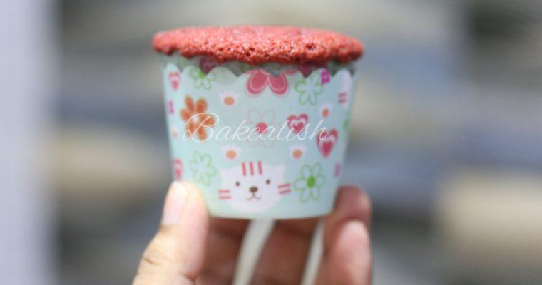 Easy and moist red velvet cupcakes