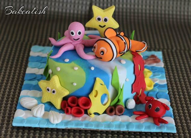 Fondant Nemo, fondant mermaid, fondant star fish, fondant shells