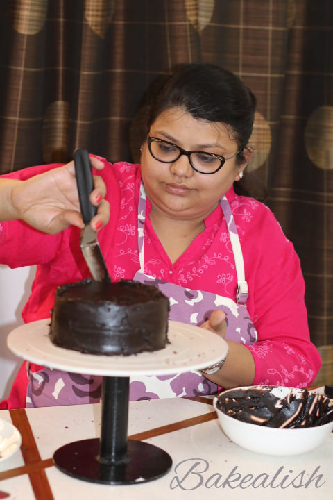 This certified course on Fondant Theme Cakes is a 2 days Intense course which will train you towards learning the true art of creating cakes that look real