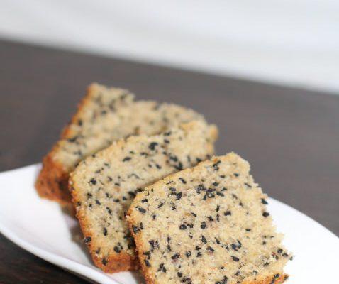 Oats & Sesame Seeds Crumb Cake