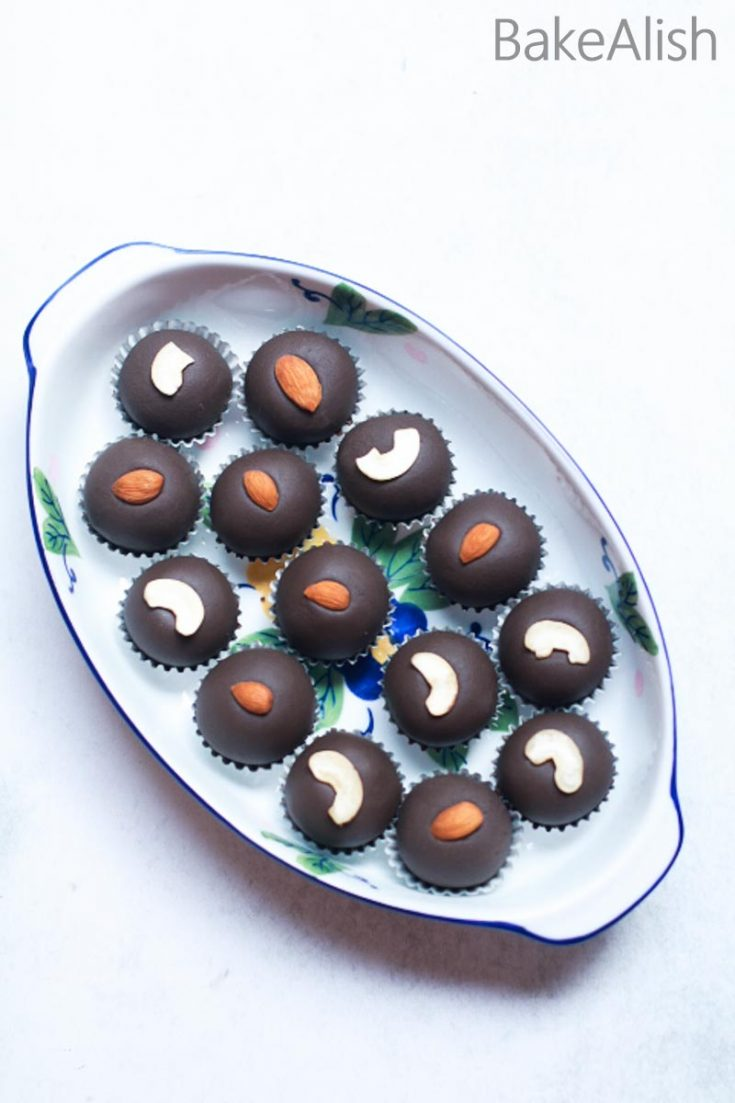 Chocolate Malai Peda is a perfect recipe for every festive season. A chunk of chocolate and cream combined with cottage cheese and condensed milk makes a rich and fabulous festive treat or simply a surprising dessert