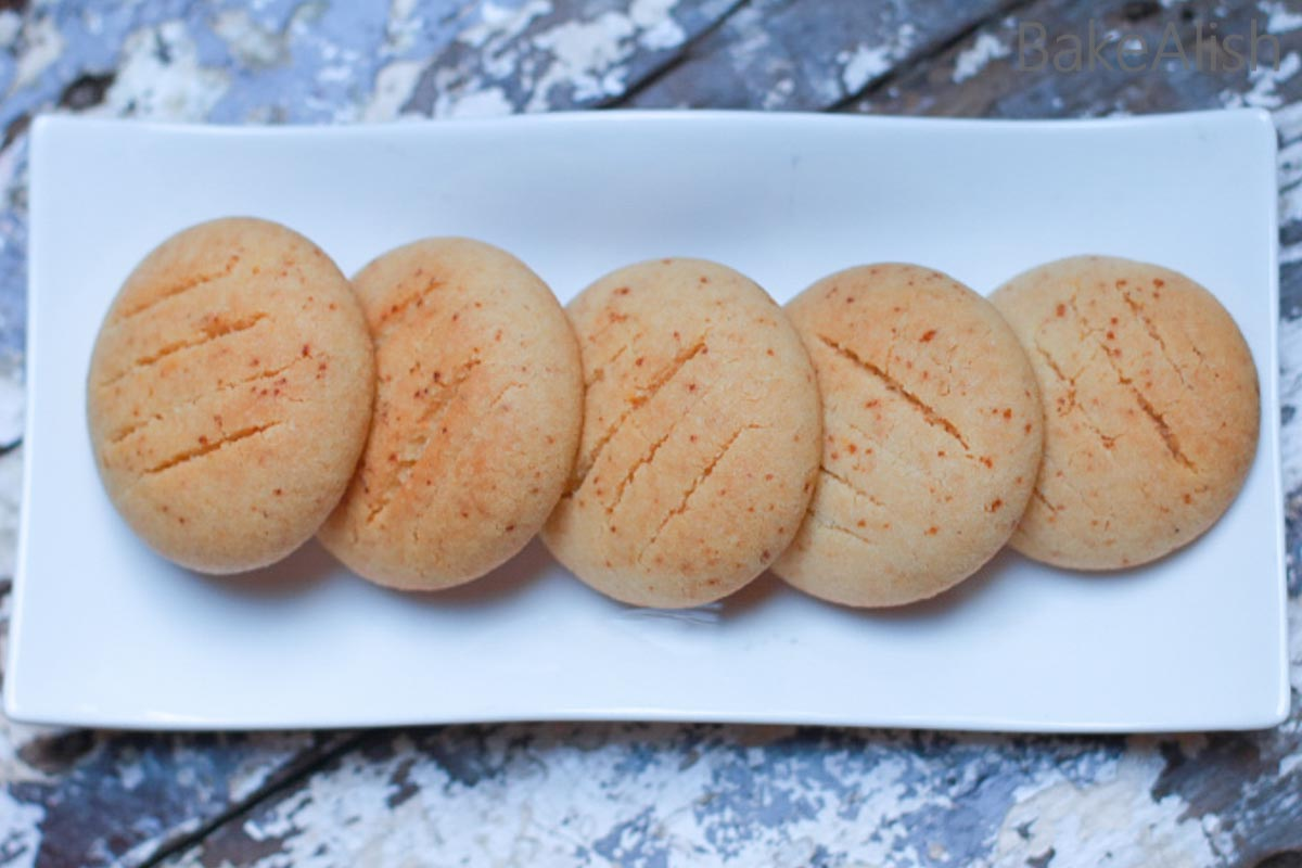 These Gulab Jamun Cookies are made with 4 ingredients. Quick and easy to make, these cookies look great and tastes yum. Perfect for a festive feel