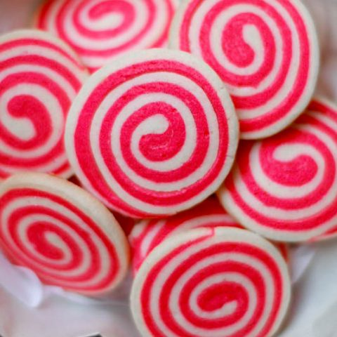A perfect cookie recipe for Valentine's day or Christmas. This Pinwheel Swirl Cookies looks beautiful and tastes delicious