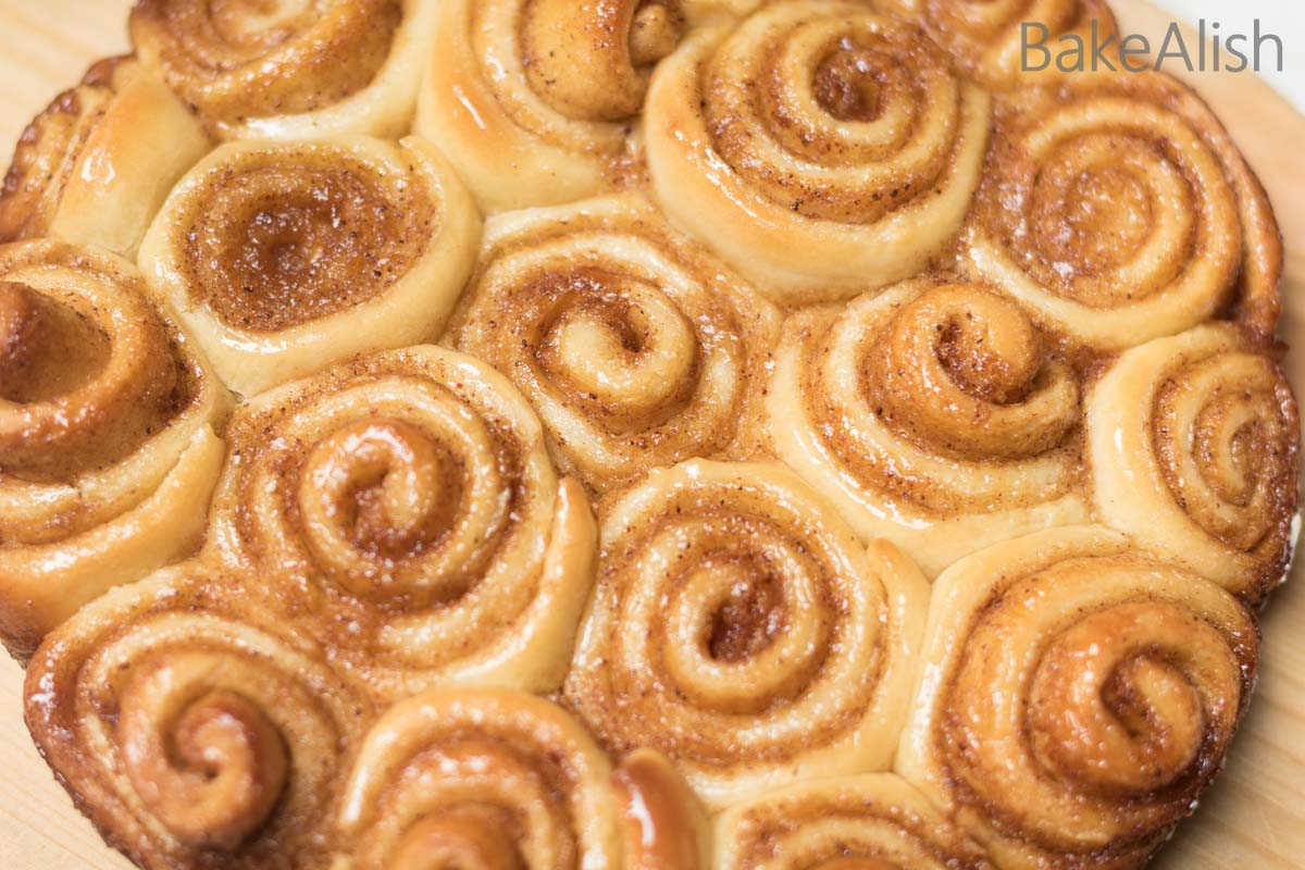 Learn how to make rolls with this quick recipe. This easy cinnamon roll is absolutely soft, fluffy and delicious. Rolled with brown sugar and the flavorful spice, these basic ingredients add so much more texture to simple homemade buns