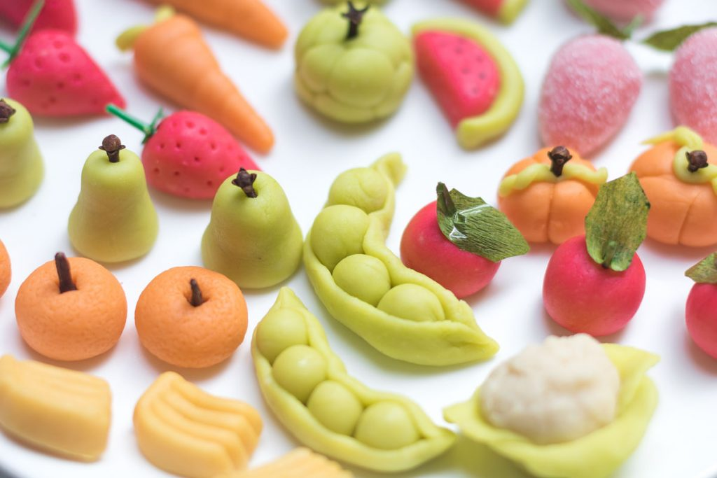 learn how to make marzipan fruits