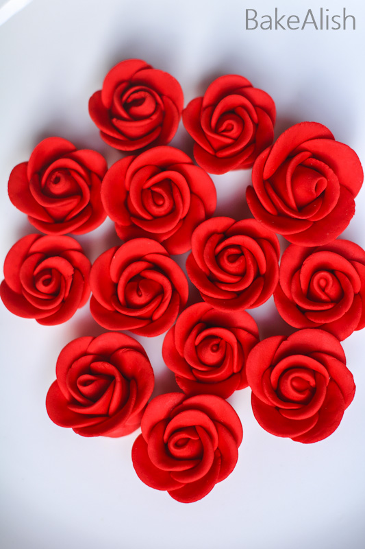 learn to carve sugar roses with fondant