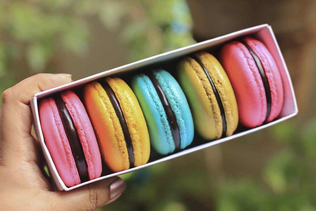 box of colorful macaron - Online Workshop On French Macarons