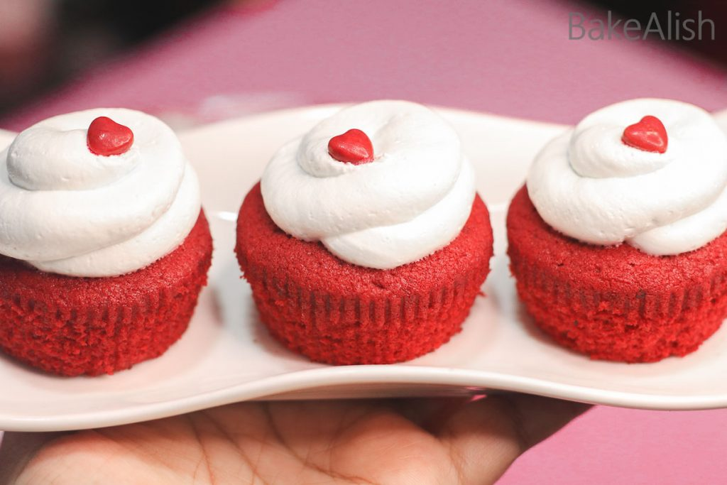 Online Workshop On Cupcakes, Frostings, Cake Pops & Cakesicles - red velvet cupcakes