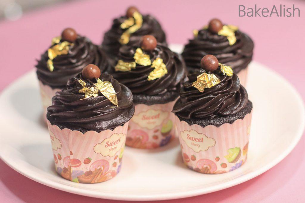chocolate red velvet cupcake