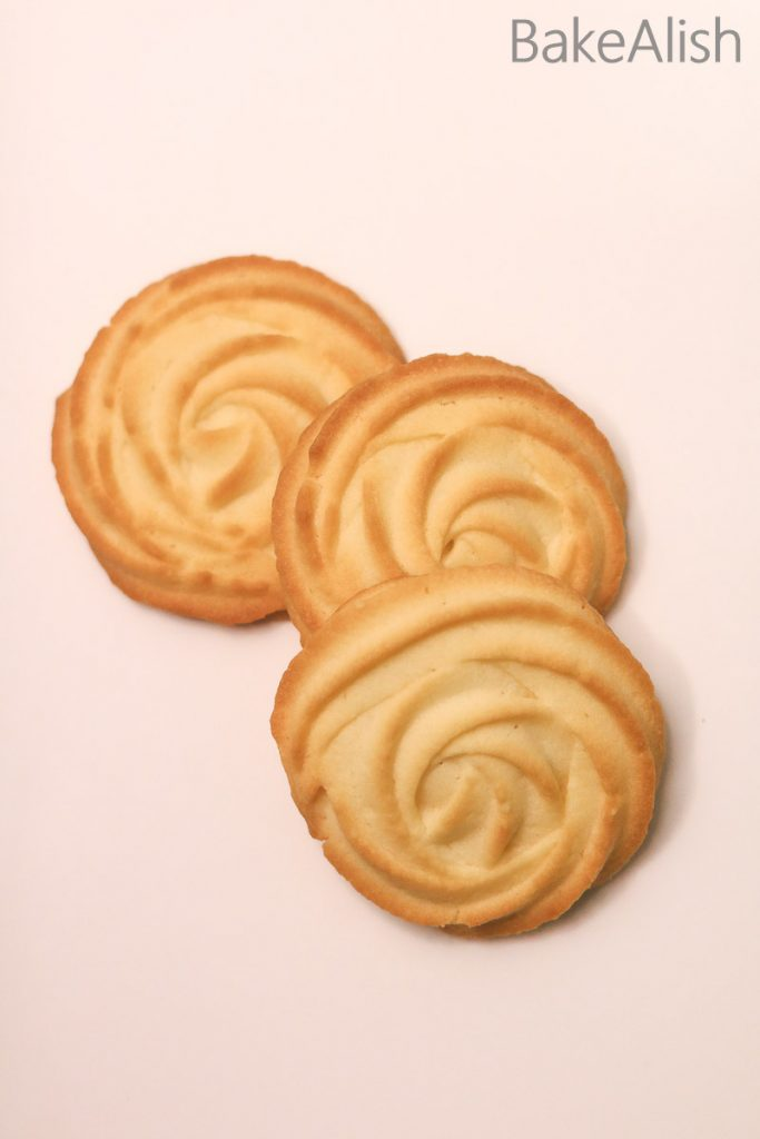 rose shaped cookie baked with butter